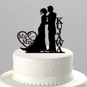 custom-silhouette-mr-mrs-cake-topper