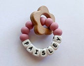 Personalized teething ring with wooden flower for baby girl, baby shower gift, new mom gift